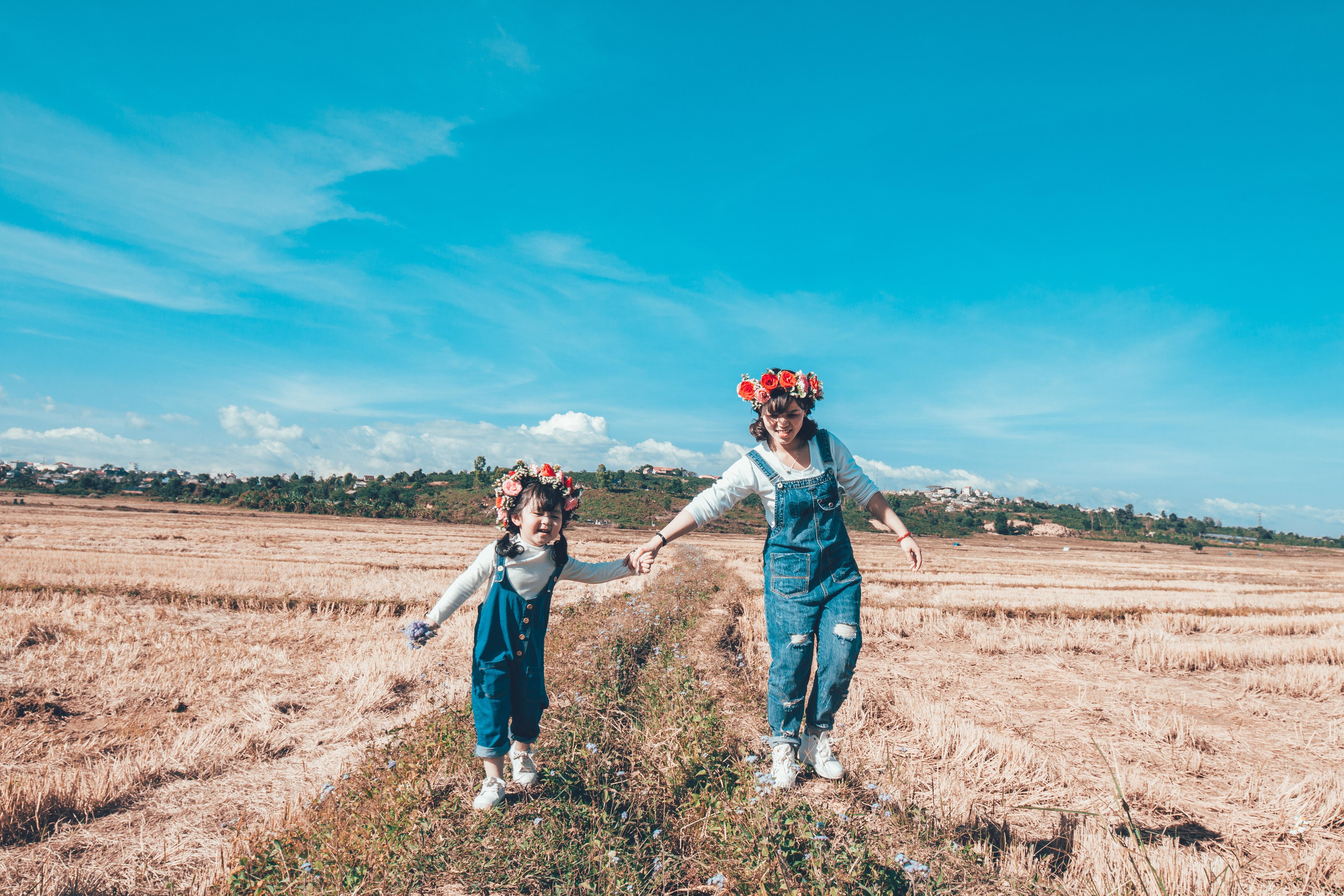 child-cropland-daughter-1680781